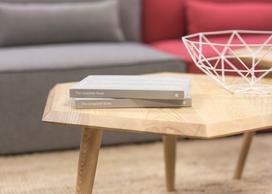 Designerskie stoliki do salonu — poznaj 3 najciekawsze style