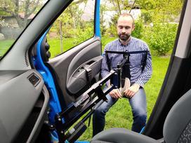 Podnośnik do samochodu dla niepełnosprawnych