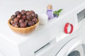 Jak stosować orzechy do prania? Praktyczny poradnik