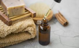 Jak stosować olejek arganowy na twarz? Poradnik krok po kroku