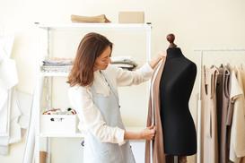 Wygodny materiał na lekkie sukienki - jersey bawełniany
