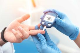 Jak obniżyć poziom cukru we krwi? Wyjaśniamy najlepsze metody
