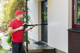 Mycie elewacji krok po kroku - jak i czym wyczyścić elewację?
