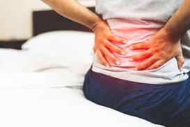 Jak dzięki poduszce walczyć z bólem kręgosłupa?