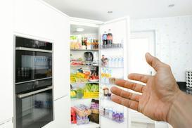 Sposoby na umycie lodówki – zalecenia firmy sprzątającej