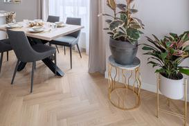Klasyczna deska dębowa w jodełkę do Twojego domu - Podłoga Pure Forest Simple Living