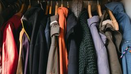 Kurtki jesienne — top 3 modele damskie, których nie może zabraknąć w twojej szafie