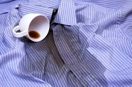 Plamy z kawy - najlepsze sposoby na usuwanie plam z kawy