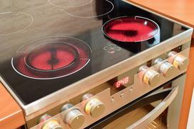 Kuchenka elektryczna z płytą ceramiczną - ceny, opinie, popularne modele, porównanie