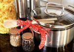 Najlepsze prezenty kuchenne na parapetówkę